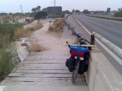 2006_06_05_entrada_puente_rio_san_pedro.jpg