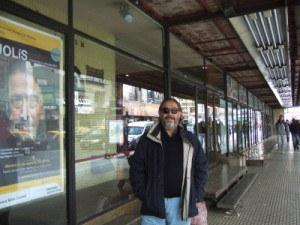 jolis-en-la-puerta-del-teatro-san-martin-en-buenos-aires-300x225.jpg