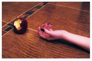 manzana-envenenada-300x198.jpg