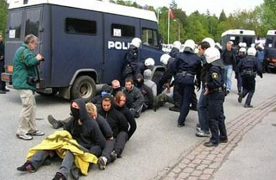 represion-policial-ecologistas-cumbre-del-clima-en-copenhague.jpg