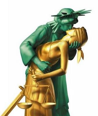 beso_entre_justicia_y_libertad.jpg