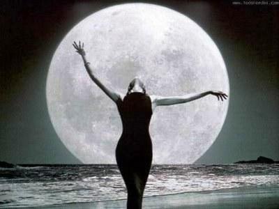 mujer-luna.jpg